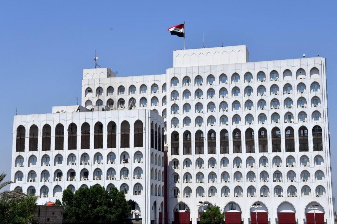 خبرنگاران واکنش عراق به برافراشتن پرچم همجنسگرایان در بعضی سفارتخانه ها